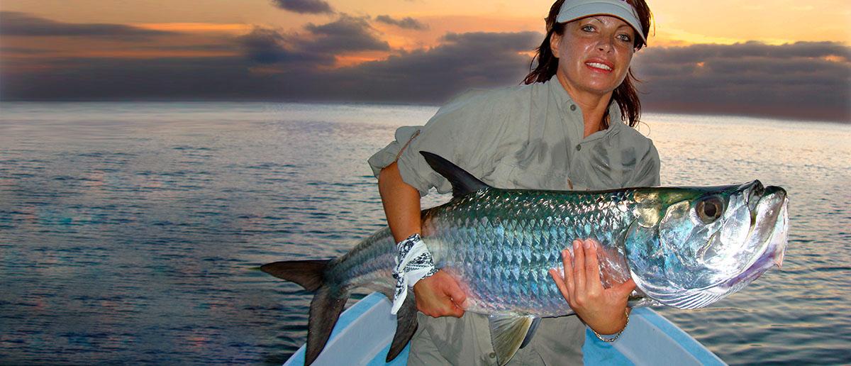 Mirjana Pavlic mit schoenem Tarpon Scientific Anglers Fliegenschnur
