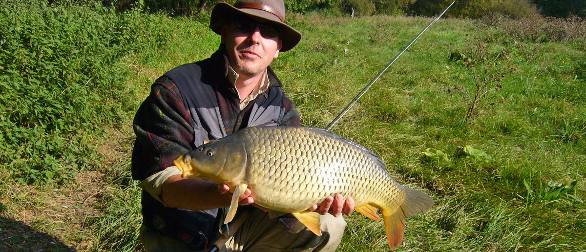Michael Müller - auch das ist Fliegenfischen! Sehr schöner Karpfen mit der Fliegenrute.