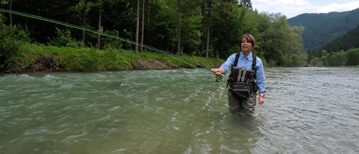 Eine Teeny Fliegenschnur beim Fischen mit Mirjana Pavlic von Flyfishing Europe.