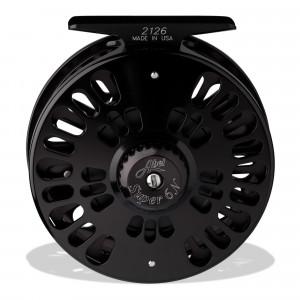 Eine Abel Fliegenrolle Super 6N LA schwarz zum Fliegenfischen, Rückansicht, bei FFE