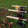 Sets zum Fliegenfischen mit Fliegenrute und Fliegenrolle